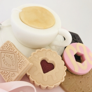 tea and biscuits cake class 4